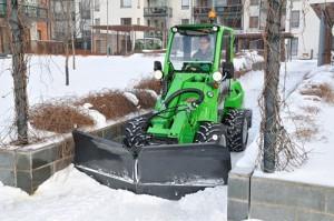 avant snow plow 1