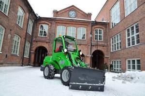 avant snow plow 2
