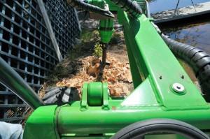 avant stump buster 3